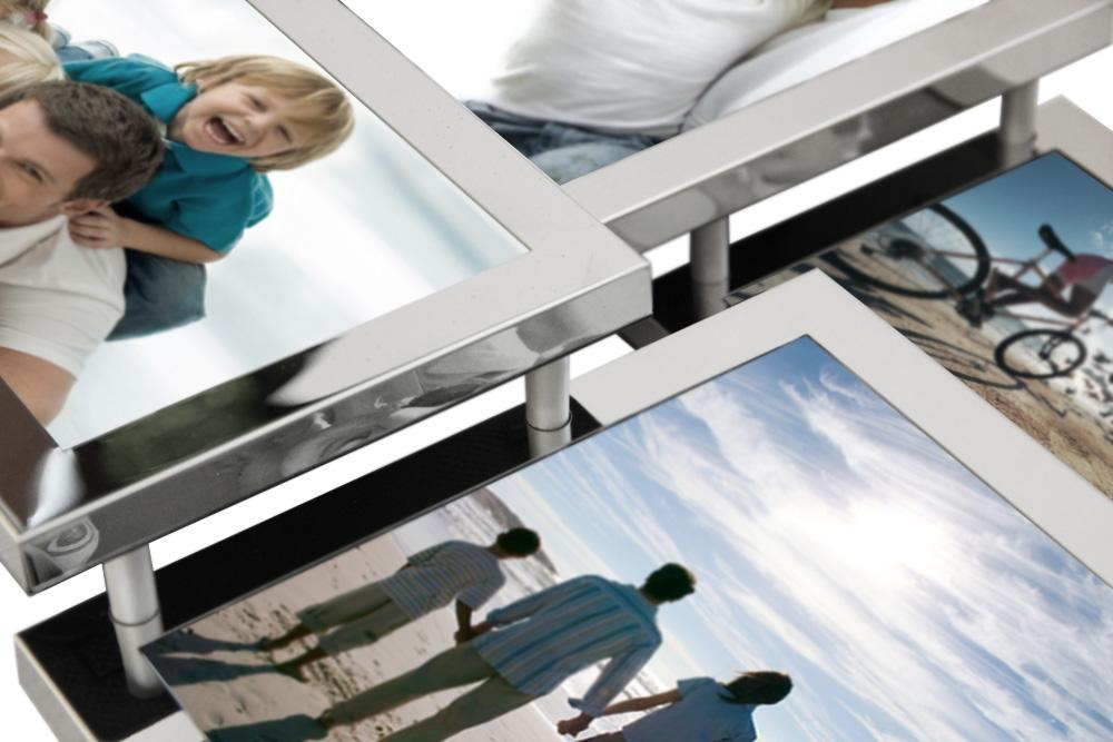 Мультирамка для нескольких фотографий украсит интерьер современный